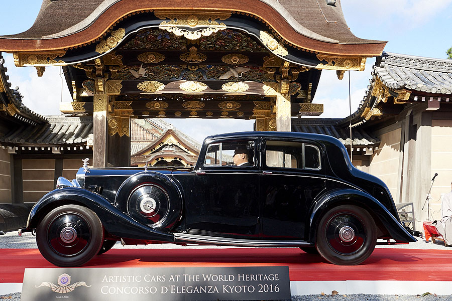 artistic_cars_at_the_world_heritage_concoroso_eleganza_kyoto_dsc0984