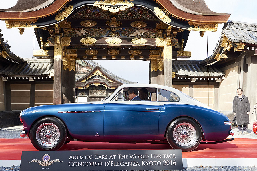 artistic_cars_at_the_world_heritage_concoroso_eleganza_kyoto_dsc1110